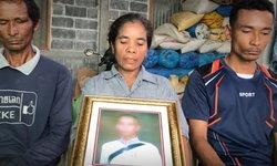 แม่สะอื้นร้องสื่อ ลูกชายโดนยิงตายกลางงานบุญ 2 เดือนกว่าคดีไม่คืบ