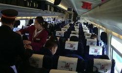 สุดประทับใจ! ผู้โดยสารบนรถไฟจีน ทุ่มซื้อเครื่องดื่มเลี้ยงนักดับเพลิงทั้งหน่วย