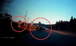 กระบะถูกชนแล้วทำโวย โยนความผิดให้คู่กรณี สุดท้ายเงิบเพราะกล้องหน้ารถ