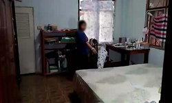 ครูสาวใหญ่แกล้งตาย! เจอโจรงัดบ้าน จับถอดเสื้อผ้าหวังข่มขืน