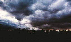 """อุตุฯ ประกาศเตือน 2 พายุ """"บารีจัต-มังคุด"""" ทำให้ไทยมีฝนตกหนัก-เสี่ยงน้ำท่วม"""