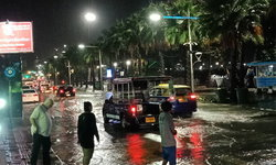 """พายุโซนร้อน """"บารีจัต"""" ถล่มพัทยา ชั่วโมงเดียวท่วมทั้งเมือง"""