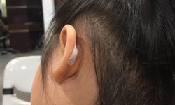โรงเรียนยังทำเหมือนไม่มีอะไรเกิดขึ้น ดราม่าครูพี่เลี้ยงบิดหูเด็กเจ็บเป็นแผล