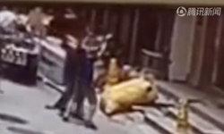 คลิประทึก เด็กหญิงตกตึกสูง 18 เมตร สองชายฮีโร่ยกมือเปล่ารับจนแขนหัก