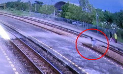 หนุ่มสุดทน ขอแฉด้วยคลิป! เด็กเล่นพิเรนทร์วางหินบนรางรถไฟ