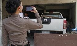 3 หนุ่มลาวเที่ยวคาราโอเกะถอยรถชน ตร.เห็นแค่เรียกมาคุย โดนยิงสวนเจ็บ