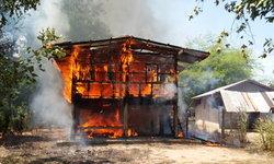 ระวังลมหนาวเริ่มพัดแรง ทำกับข้าวดับไฟไม่สนิท! ไฟเกิดลุกโหมไหม้บ้านวอดทั้งหลัง