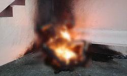 สยดสยอง ชายวัย 52 ราดน้ำมันจุดไฟเผาตัวเองข้างเมรุ ในตัวพบลอตเตอรี่เพียบ