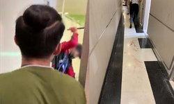 โจรเหิม! บุกทำร้ายเหยื่อเลือดอาบกลางห้องน้ำห้างดัง พลเมืองดีโร่ช่วยทัน