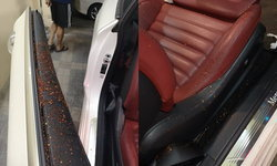 อุทาหรณ์รถจอดติดไฟแดง มือมืดเคาะกระจก สาดน้ำผสมพริกใส่หน้า