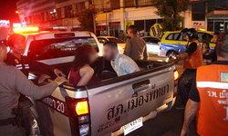 สองผัวเมียรัสเซียฉุน อินเดียทำขวดเหล้าแตก อาละวาดทำร้ายตำรวจไล่จับวุ่น