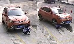 ใครผิด? ชาวเน็ตจีนเถียงกันยับ หลังเอสยูวีชนทับสาวนั่งเล่นมือถือหน้ารถ