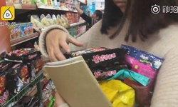 แม่ยังสมน้ำหน้า! สาวจีนกินแต่บะหมี่ฯเก็บเงินช้อป สุดท้ายหมดไปกับค่ารพ.