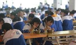 ไม่แสวงผลกำไร โรงอาหารมัธยมจีนโอนกำไรเป็นเงินเข้าบัตรนักเรียน