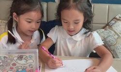 """""""น้องณิริน-น้องปีใหม่"""" อวดโมเมนต์น่ารัก พี่สอนน้องวาดรูป อบอุ่นมาก (คลิป)"""