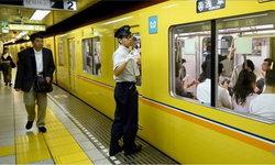 รถไฟญี่ปุ่นลงโทษพนักงาน หลังมีคลิปยืนหลับตา 11 วินาที