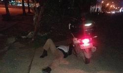คดีพลิก หนุ่มโพสต์ประจานตำรวจนอนบนพื้นถนน สำนึกผิดเพิ่งรู้ป่วย-โหมงานหนัก