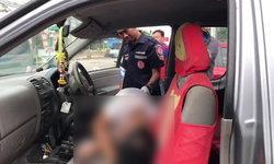 หนุ่มใหญ่จอดรถนิ่ง นอนดับคารถกระบะ เจ้าหน้าที่คาดโรคประจำตัวกำเริบ