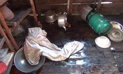 สาวดวงกุดถูกไฟช็อต สะบัดมือโดนกระทะ น้ำมันร้อนราดตัวดับคาครัว