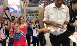 """น้ำใจไทย! แฟนนางงาม """"เรี่ยไร"""" กลางสนามบิน ส่ง """"มิสแอลเบเนีย"""" กลับ หลังน้ำหนักกระเป๋าเกิน"""