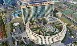 """เหมือนไหม? ชาวเน็ตจีนขำตึกโรงพยาบาล รูปร่างคล้าย """"ชักโครก"""""""