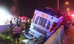 ผู้โดยสารเล่านาทีมรณะ รถทัวร์คว่ำ 6 ศพ โชเฟอร์ขับเร็วจนจีพีเอสร้องเตือน