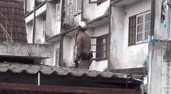 โจรปีนบ้านหวังยกเค้า แต่ไม่ได้ทรัพย์สินอะไรไป ถ่ายอุจจาระทิ้งไว้เป็นที่ระลึก