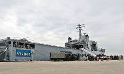 """""""กองทัพเรือ"""" จัดเรือรบพร้อมอากาศยาน เตรียมช่วยเหลือประชาชนรับมือพายุ """"ปาบึก"""""""
