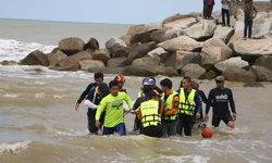 ค้นหา 23 ชั่วโมง พบแล้ว! เด็ก 6 ขวบ จมทะเลนราทัศน์ หลังป้ากระโดดน้ำสละชีวิตหวังช่วย