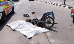 หนุ่มพิการสู้ชีวิตขี่จักรยานยนต์ชนรถพ่วง 18 ล้อ เสียชีวิตสยอง!