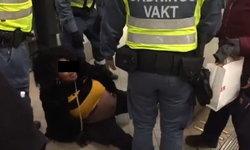 """ชาวเน็ตสวีเดนสับเละ! เจ้าหน้าที่ลาก """"สาวท้องแก่"""" ออกรถไฟใต้ดินสุดทารุณ แค่เพราะไม่มีตั๋ว"""
