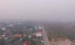 """PM 2.5 พุ่งไม่หยุด """"ลำปาง"""" ยังวิกฤตระดับสีส้ม หมอก-ควันปกคลุมทั่วเมือง"""