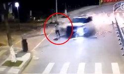 หนุ่มช็อก วิ่งริมถนนเจอรถแหกโค้งพุ่งเฉียดร่าง-ชนต้นไม้หัก คนขับทรุดเข่าขอขมา