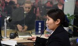 """พูดได้ 4 ภาษา สาวลูกครึ่งจีน-ญี่ปุ่น """"ล่ามมือหนึ่ง"""" แห่งสถานีรถไฟความเร็วสูงฉางซา"""