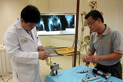แพทย์ รพ.ตร.ประสบความสำเร็จผ่าตัดเปลี่ยนผิวข้อสะโพก