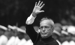 """อินเดียเศร้า สูญเสียอดีตประธานาธิบดี """"ประนาบ มุกเคอร์จี"""" หลังติดเชื้อโควิด-19"""