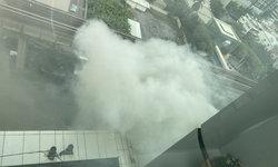 ด่วน ไฟไหม้ปล่องระบายควันข้างอาคารเพลินจิต เซ็นเตอร์ ถ.สุขุมวิท