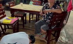 จบด้วยดีที่โรงพัก ลูกสาวก้มกราบเท้าขอโทษแม่ หลังคลิปตบตีกันว่อนโชเซียล