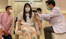 เจ้าฟ้าสิริวัณณวรี ทรงรับการฉีดวัคซีนโควิดแอสตร้าเซนเนก้า ณ โรงพยาบาลจุฬาลงกรณ์