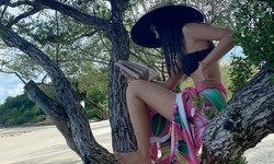"""""""ญาญ่า"""" รวมรูปเที่ยวทิพย์ ได้เห็นภาพสุดชิลนั่งอ่านหนังสือบนต้นไม้"""