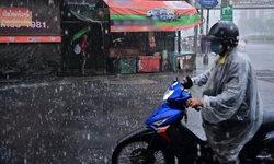 พยากรณ์อากาศวันนี้ กรมอุตุฯ เตือนฝนถล่มทั่วไทย กทม.-ปริมณฑล 80% ของพื้นที่