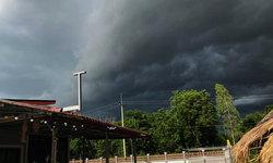 """พยากรณ์อากาศวันนี้ เตือนฤทธิ์พายุ """"คมปาซุ"""" ฝนถล่ม 47 จังหวัด อีสาน-ตะวันออก 80%"""