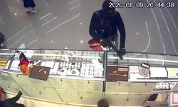 ผู้เชี่ยวชาญชี้โจรปล้นร้านทองไม่น่าร้อนเงิน แค่ปืนก็ 2 แสนแล้ว