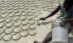 """""""คุกกี้โคลน"""" ของกินคลายหิวชาวเฮติ ในวันที่ไม่มีเงินซื้อข้าวกินสักมื้อ"""