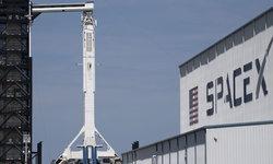 """""""นาซ่า-สเปซเอ็กซ์"""" เลื่อนส่งยานอวกาศพร้อมนักบิน หลังสภาพอากาศไม่เป็นใจ"""