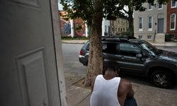 """ชะตากรรมของ """"คนผิวดำ"""" หลังรัฐคลายมาตรการโควิด-19"""