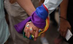 """""""เส้นแบ่งสีชมพู"""" ปรากฏการณ์ที่เกิดขึ้นและเปลี่ยนแปลงในการต่อสู้ของ LGBTQ+"""