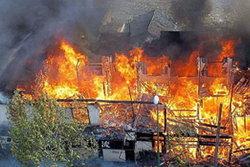 ไฟไหม้ชุมชนตากสิน35/1 ทะเลาะกันแล้วเผาบ้าน
