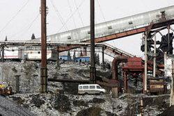 เหมืองรัสเซียระเบิดตาย 8 อีก 64 ยังติดอยุ่ใต้ดิน
