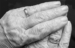 หดหู่! พ่อเฒ่าวัย 109 ปี ตรอมใจตายตาม หลังเมียวัย94ดับ